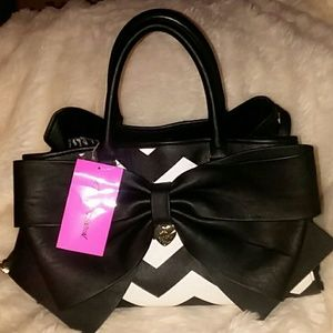NWT Betsey Johnson Faux Leather Bow Chevron Satch